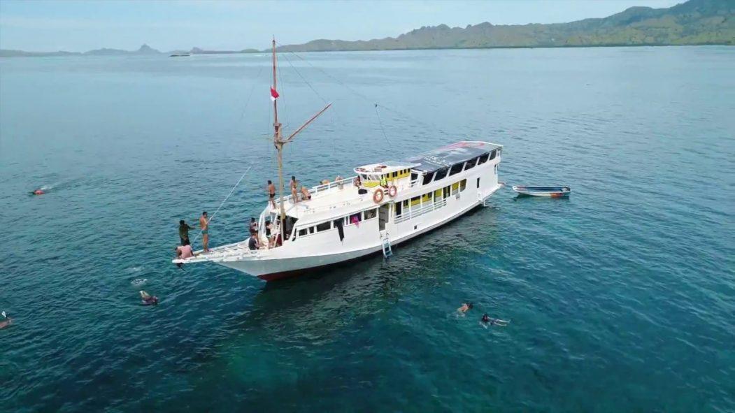 lombok cruise ships