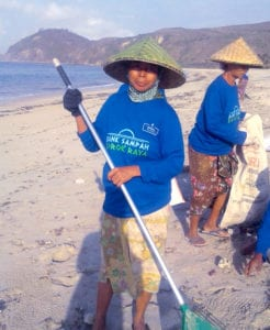 beach cleaning invest islands foundation