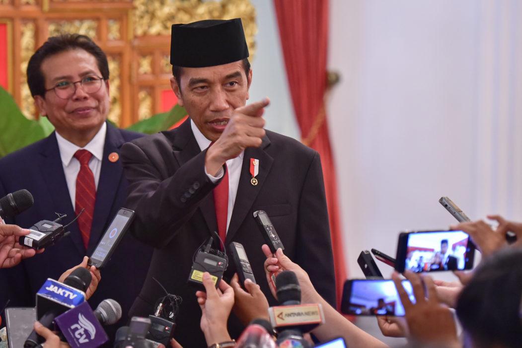 Jokowi warn about omnibus law